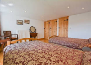 Self catering holiday cottage near Hadrian's Wall Hexham and Corbridge sleeps 4 people  two bedrooms both en suite